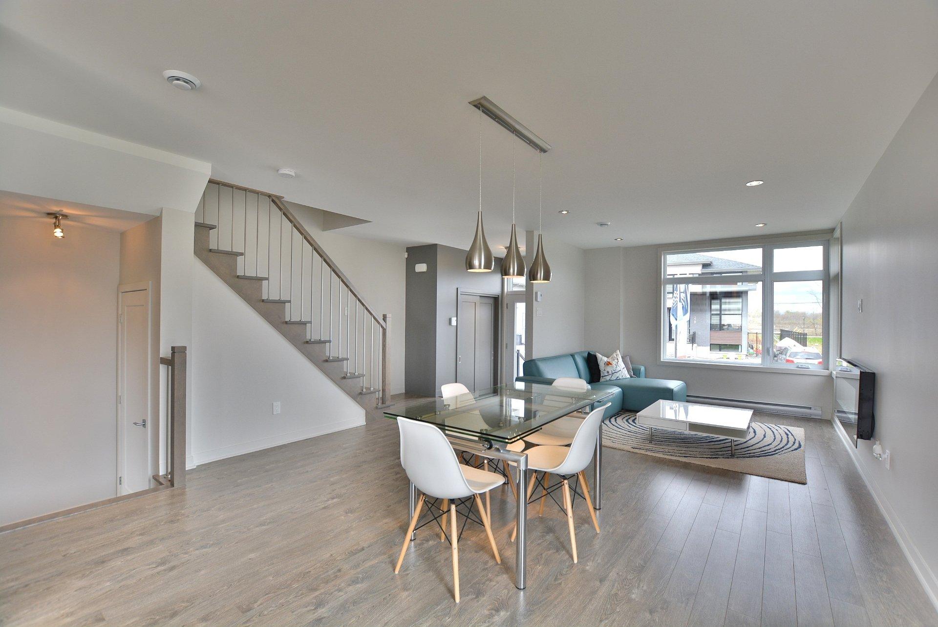 maison tages vendre saint eustache. Black Bedroom Furniture Sets. Home Design Ideas