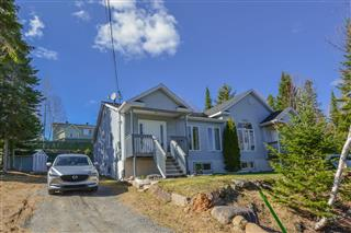 Bungalow for sale, Saint-Donat