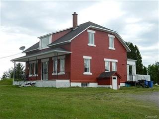 Maison à étages à vendre, Alma