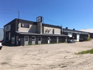 Bâtisse industrielle à louer, Baie-Comeau