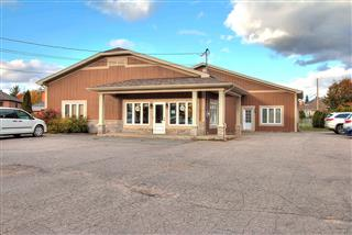 Commercial building/Office for sale, Shawinigan