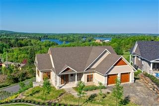 Maison à un étage et demi à vendre, Cowansville