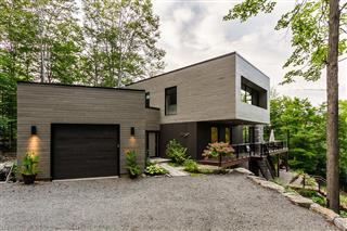 Two or more storey for sale, Mille-Isles