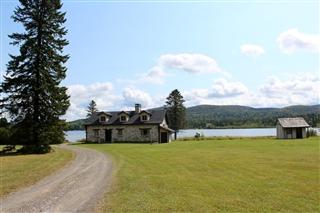 Maison à étages à louer, Val-des-Lacs