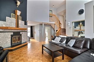 Maison à étages à vendre, Longueuil