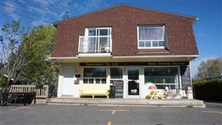 Bâtisse commerciale/Bureau à vendre, Otterburn Park