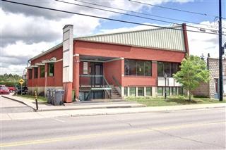 Bâtisse commerciale/Bureau à vendre, Rivière-Rouge