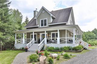 Two or more storey for sale, Lac-Brome