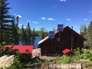 Maison à un étage et demi à vendre, Lac-Édouard