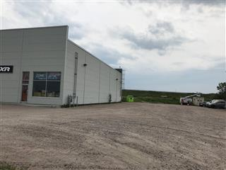 Bâtisse commerciale/Bureau à louer, Saguenay