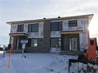 Maison à étages à vendre, Saint-Apollinaire