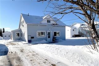 Maison à étages à vendre, Sept-Îles