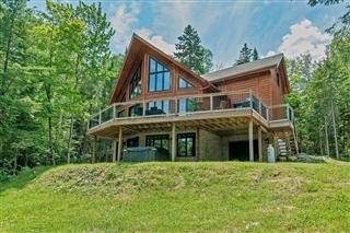 Maison à étages à vendre, Sainte-Marguerite-du-Lac-Masson