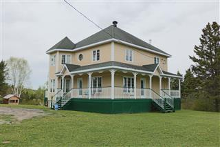 Hobby Farm for sale, Saint-Charles-Garnier