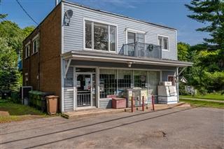 Bâtisse commerciale/Bureau à vendre, Sainte-Anne-des-Lacs