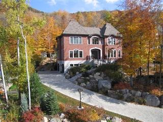 Maison à étages à vendre, Mont-Saint-Hilaire