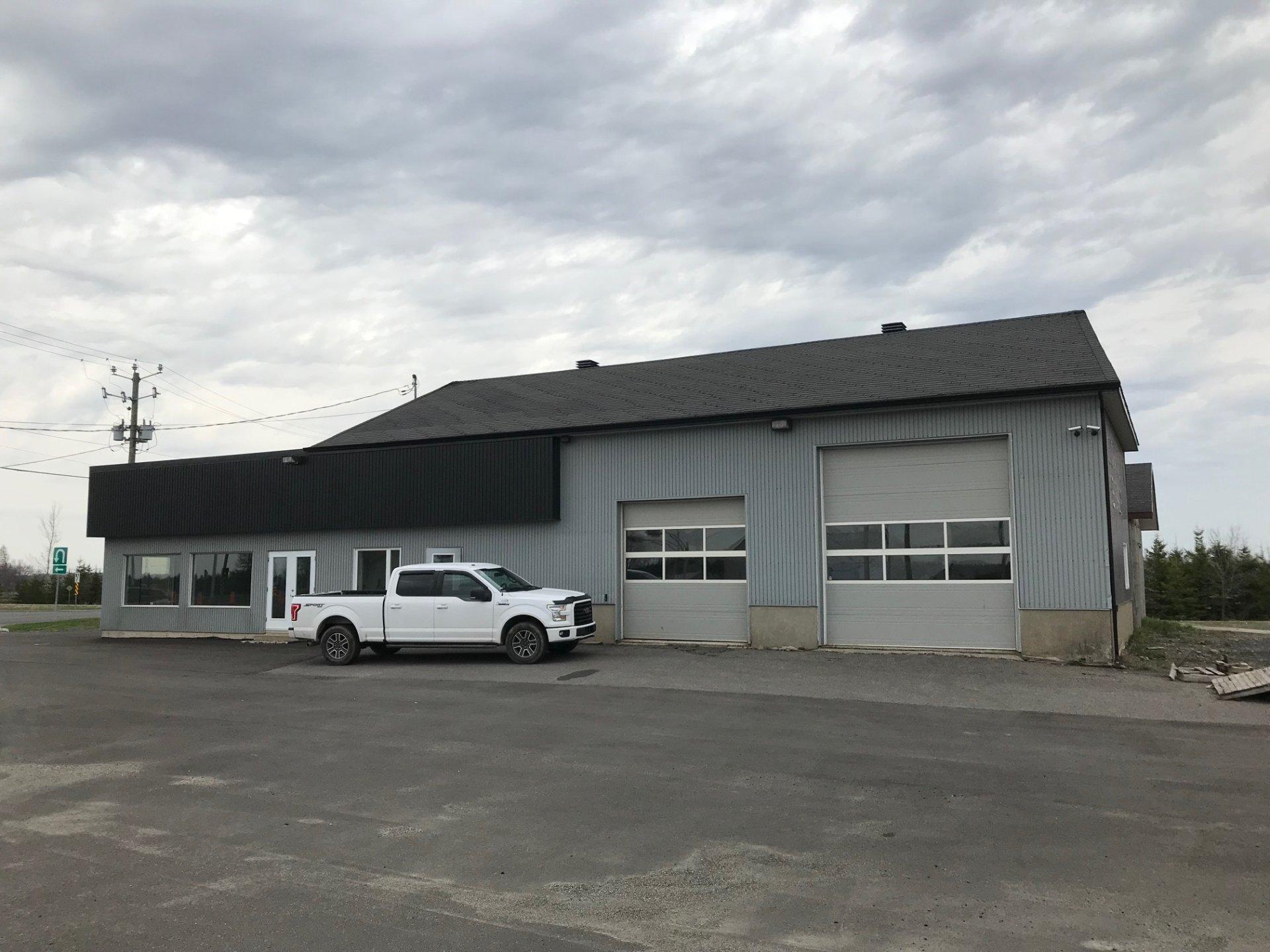 B tisse commerciale bureau louer saint henri for Louer garage mecanique