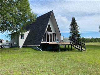One-and-a-half-storey house for sale, Témiscouata-sur-le-Lac