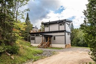 Maison à étages à vendre, Lac-Supérieur