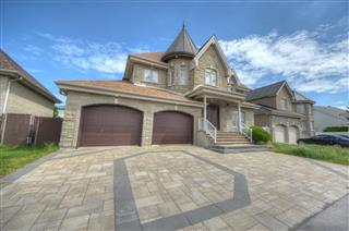 Two or more storey for sale, Brossard