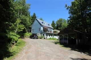 Maison à un étage et demi à vendre, Val-David